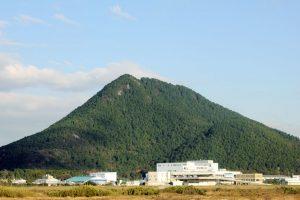 三上山(近江冨士)