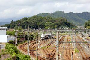 岩脇山と旧米原機関区