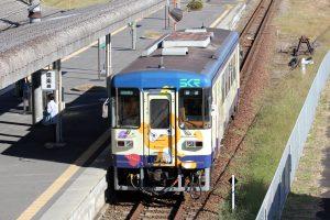 貴生川駅に留置中のSKR310形