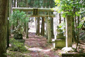 比婆神社参道