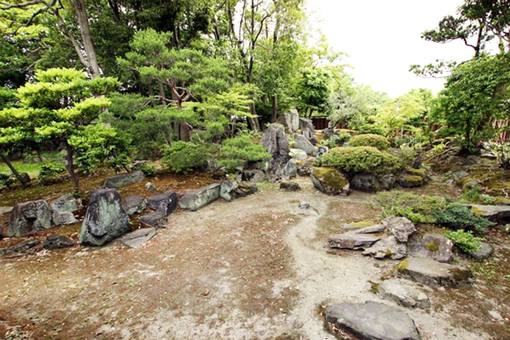 大通寺含山軒庭園